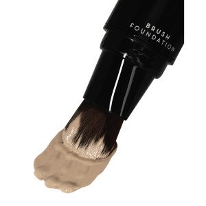 Pump-Up Brush Foundation Light Beige