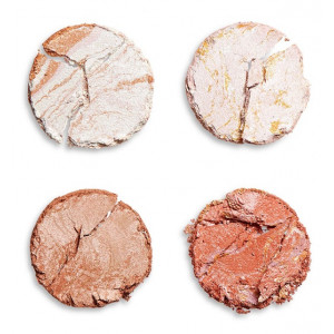 Paleta Cheek Kit de Iluminadores y Bronceadores take a breather