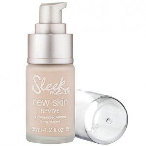 Maquillaje Fluido New Skin Revive